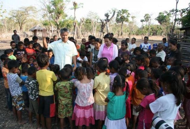 Budi Soehardi, Pilot Malaikat bagi Pengungsi Timor (301337)