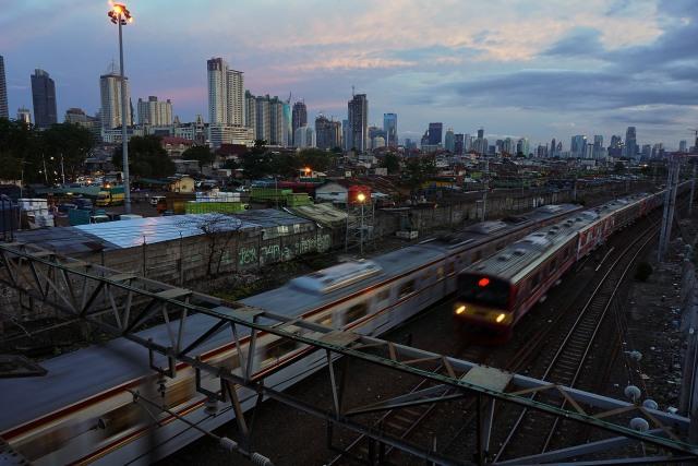 Jalur Lintas Senen Jadi Alternatif Penumpang Krl Bekasi Menuju Kota