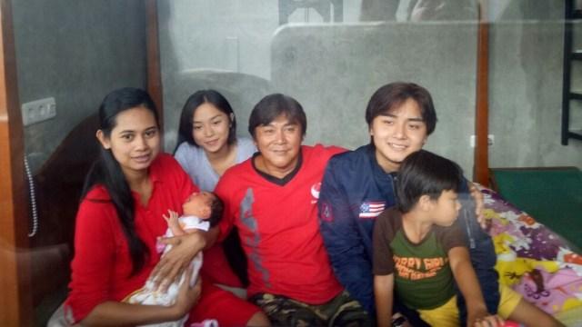 Willy Dozan dan Keluarga