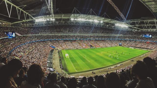 Jadwal Bola Malam Ini: Liverpool Jamu Leicester, AC Milan Tandang ke Napoli (9008)