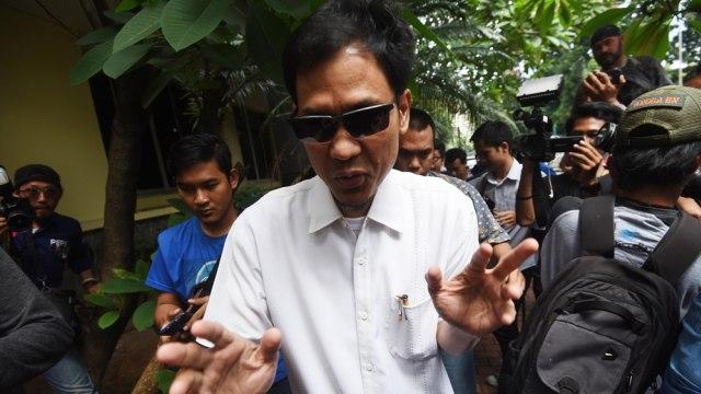 Kaleng Berisi Peluru dan Kertas Bertuliskan FPI Munarman Ditemukan di Depok (400337)