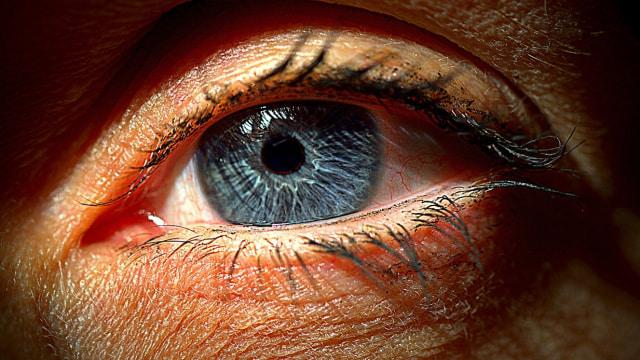 Peneliti Kembangkan Obat Tetes Mata yang Bisa Sembuhkan Kerabunan (405813)