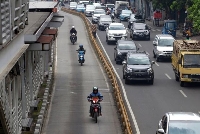 Selama PPKM Darurat, Kendaraan Bermotor Ini Boleh Melintas di Jalur Transjakarta (694)