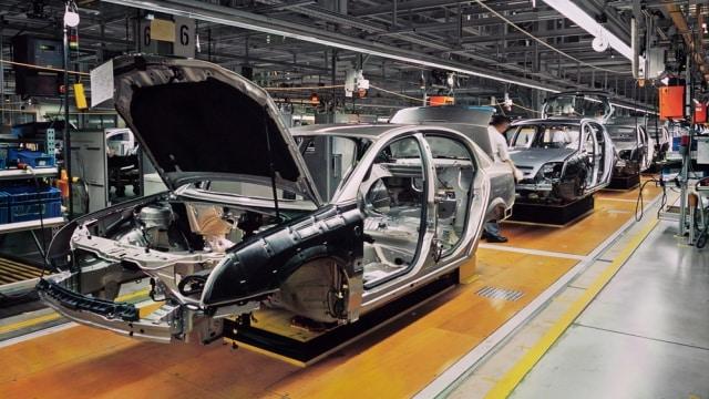 Pemerintah Wacanakan Pajak Kendaraan Berbasis Emisi (25880)