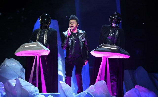 The Weeknd Sebut Grammy Awards Korup, Elton John dan Drake Beri Dukungan (318843)