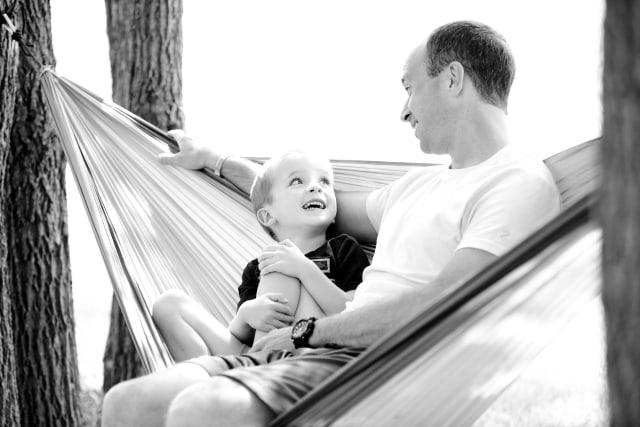 6 Langkah yang Dapat Orang Tua Lakukan saat Anak Hadapi Masalah (1204275)