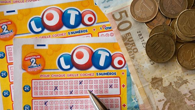 5 Orang Biasa yang Mendadak Kaya setelah Menang Lotre - kumparan.com