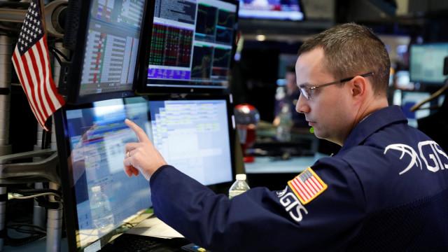 Wall Street Jatuh, Investor Khawatir Stimulus Corona Tertunda (14660)