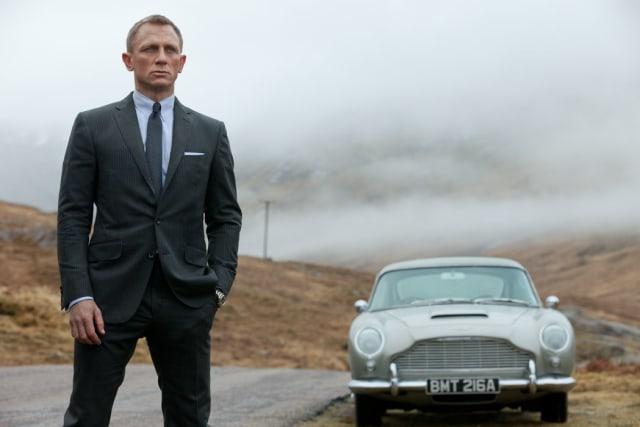 Daniel Craig dalam film James Bond