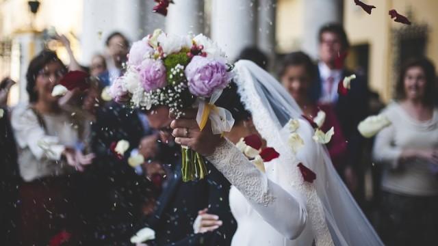5 Jawaban Pamungkas Ketika Ditanya 'Kapan Nikah?'  (180546)