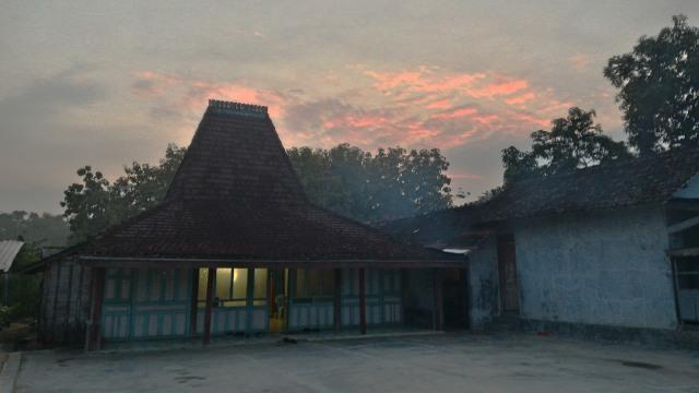 Joglo, Rumah Adat Jawa Tengah Tempat Para Bangsawan Terdahulu Tinggal (73102)