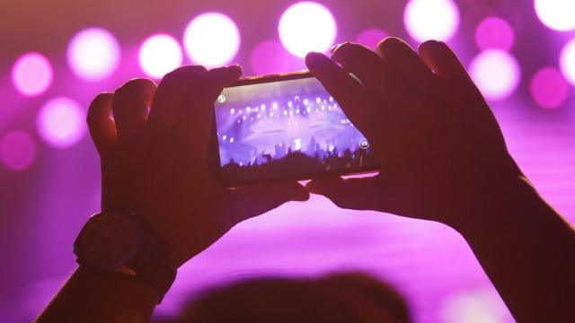 Ilustrasi Penonton Konser Musik