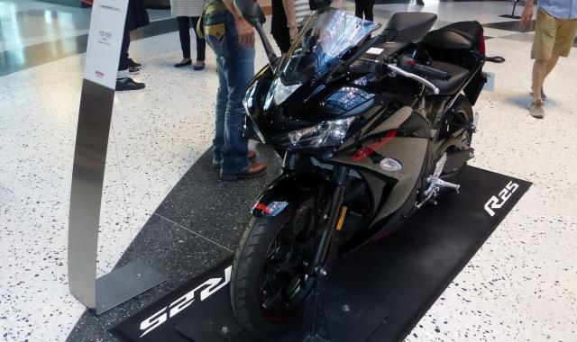 Bekal Kawasaki Ninja 250 Baru untuk Lawan Honda CBR250RR  (5863)