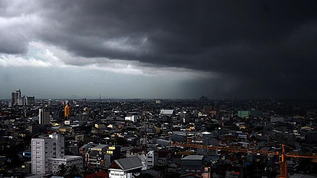 Hujan Deras Guyur Jakarta, Sejumlah Wilayah Banjir (4079)