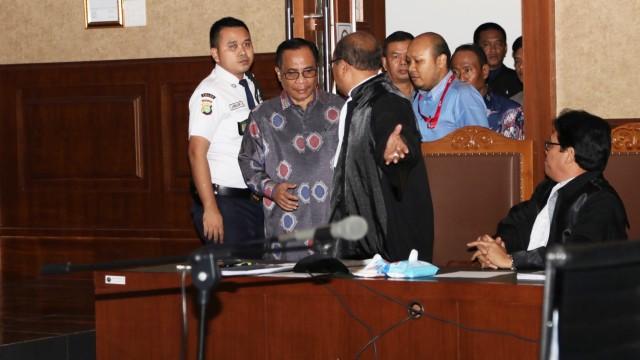 49 Persen Dana e-KTP Diduga Dikorupsi (2035)