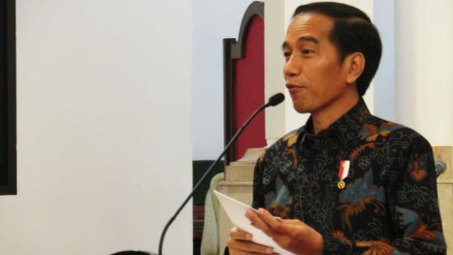 Jokowi Teken PP 56: Nyanyi Lagu Ciptaan Orang di Kafe hingga TV  Bayar Royalti (91969)