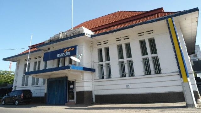 Gedung Bank Mandiri.