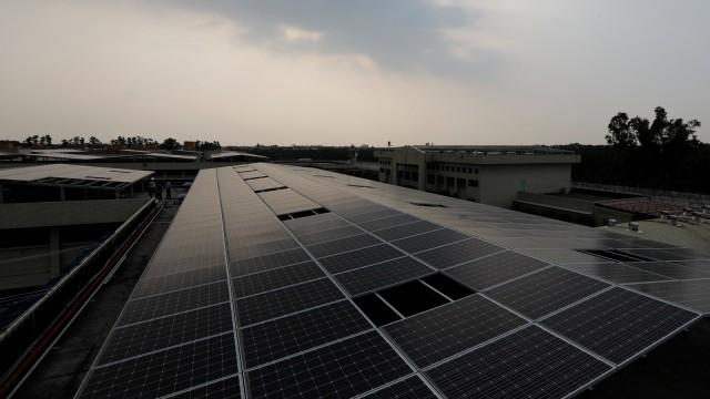 Pemerintah Targetkan Bangun 9.050 Megawatt Energi Terbarukan Sampai 2024 (52478)