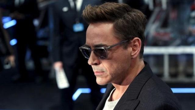 Membandingkan Dua Aktor Hot, Robert Downey Jr. dan Johnny Depp  (19464)