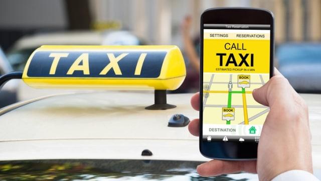 Menhub Ingin Taksi Online dan Konvensional Sama-sama Hidup (85278)
