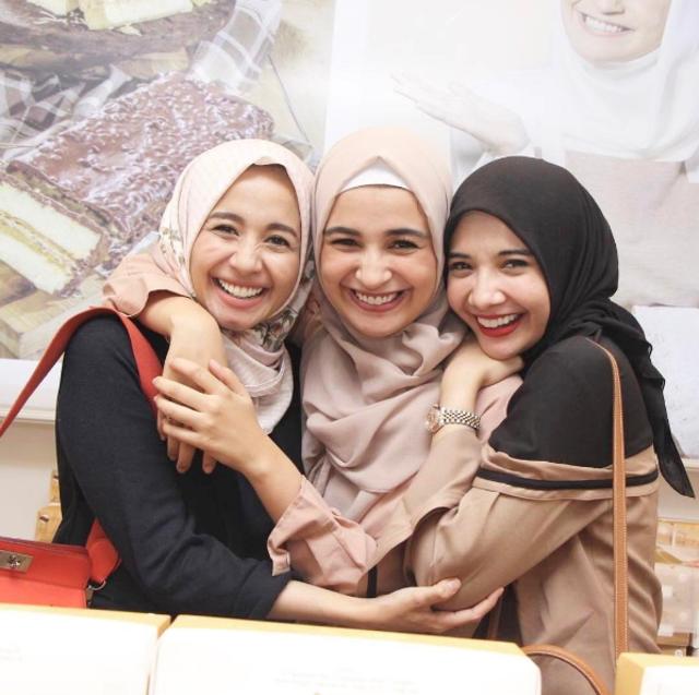 Lika-liku Hijab di Indonesia: Sempat Dilarang hingga Jadi Tren Fashion (66095)