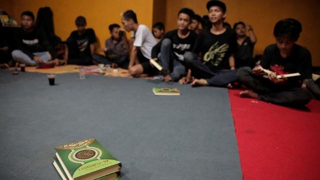 FOTO: Anak Punk Saleh di Bandung, Kegiatannya Konser dan Mengaji (1248096)