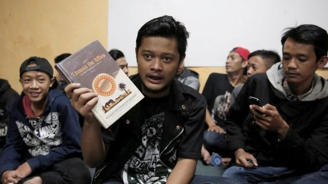 FOTO: Anak Punk Saleh di Bandung, Kegiatannya Konser dan Mengaji (1248095)