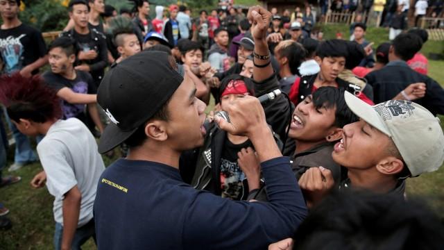 FOTO: Anak Punk Saleh di Bandung, Kegiatannya Konser dan Mengaji (1248091)