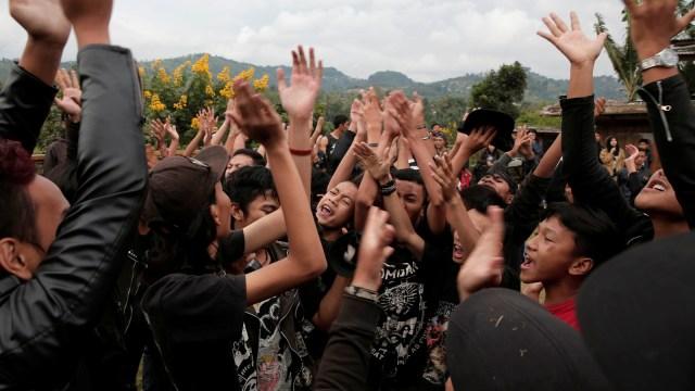 FOTO: Anak Punk Saleh di Bandung, Kegiatannya Konser dan Mengaji (1248092)