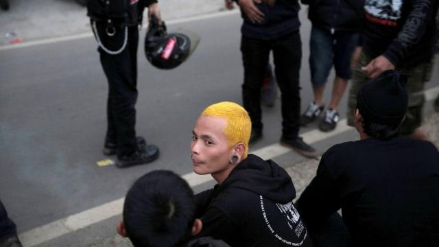 FOTO: Anak Punk Saleh di Bandung, Kegiatannya Konser dan Mengaji (1248094)