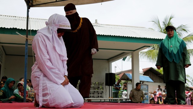 4 Pasangan yang Dipergoki Pacaran Dicambuk di Aceh (64220)