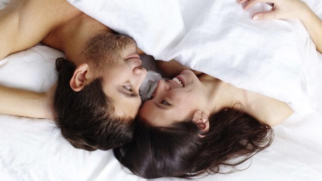 COVER: Hubungan Seks Suami Istri