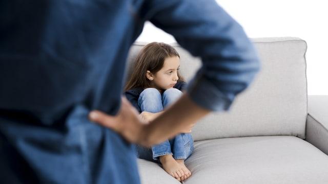 Pilih Kasih Orang Tua Lebih Sayang Anak Bungsu Dibanding