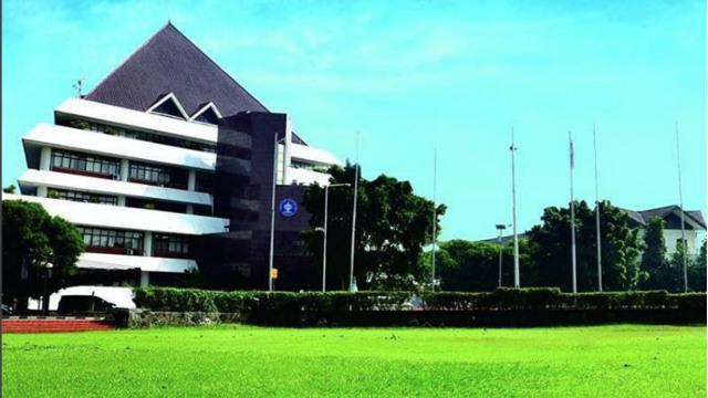 Kisaran Biaya UKT yang Harus Dikeluarkan untuk Kuliah di IPB  (325442)