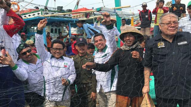 Cak Imin saat menemui nelayan Pantura