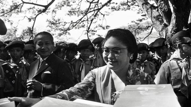 Ibu Tien sang Pilar Penopang Soeharto (332503)
