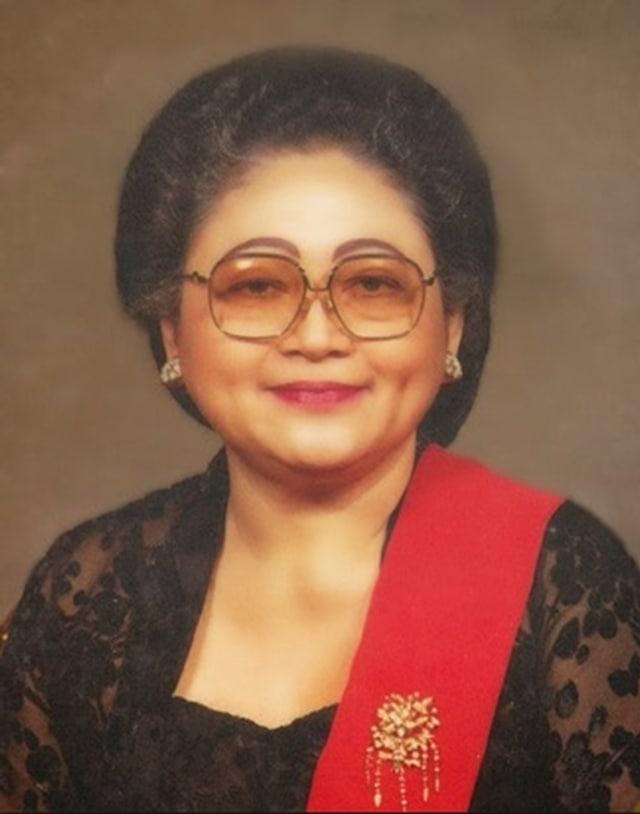 Ibu Tien sang Pilar Penopang Soeharto (332498)