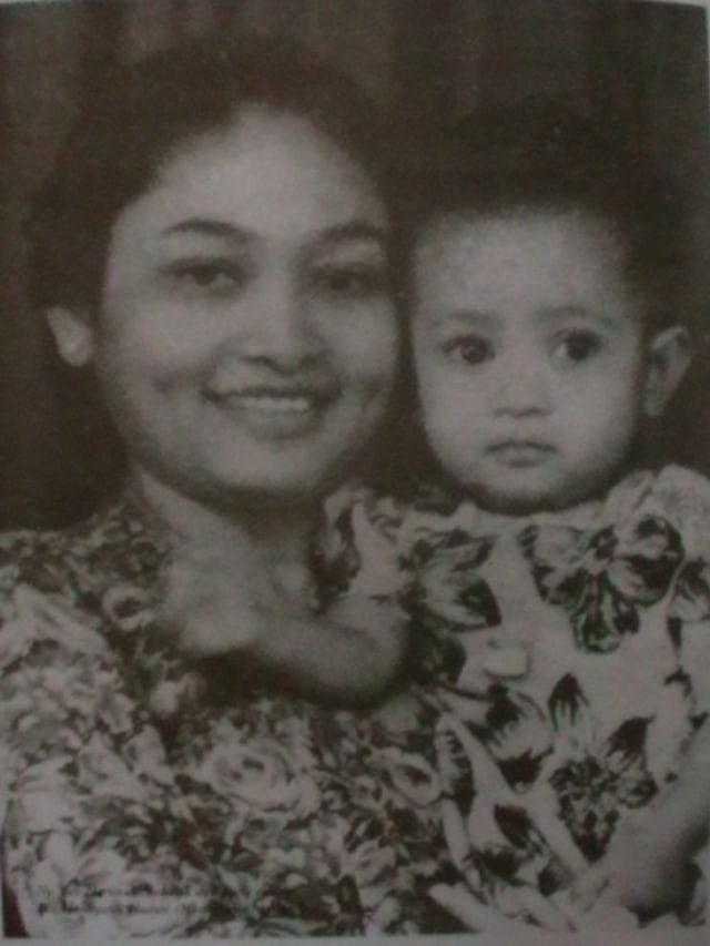 Ibu Tien sang Pilar Penopang Soeharto (332500)