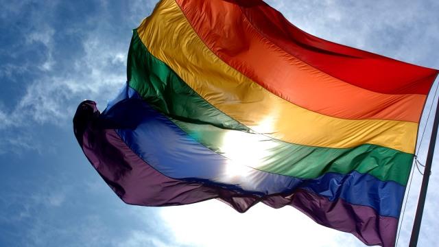 Bendera pelangi sebagai lambang LGBT