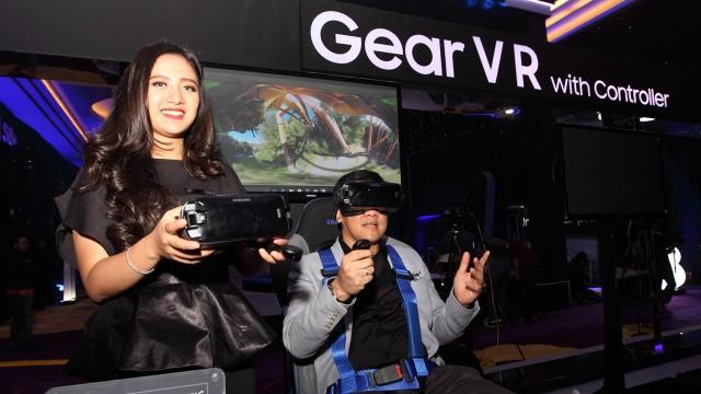 Menikmati virtual reality dengan Samsung Gear VR