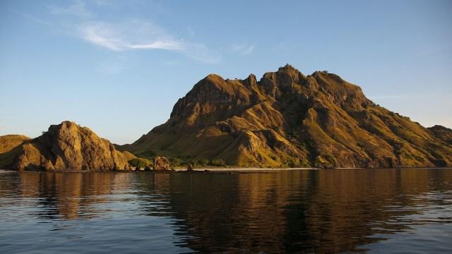 Perketat Wisatawan, Taman Nasional Komodo Terapkan Registrasi Online  (300582)
