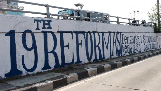 Mural peringati 19 tahun reformasi