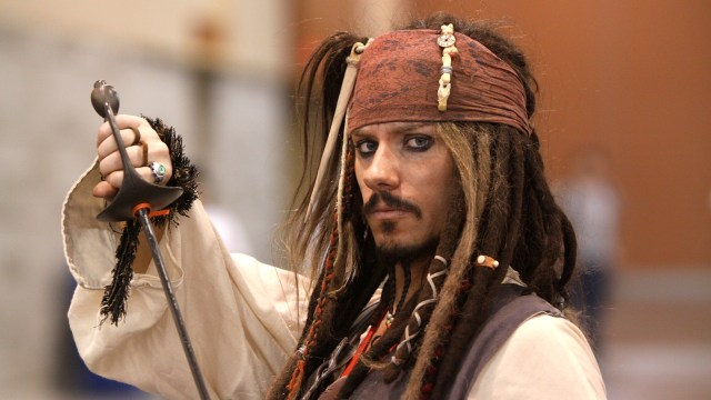 Captai Jack Sparrow dalam Pirates of the Carribean