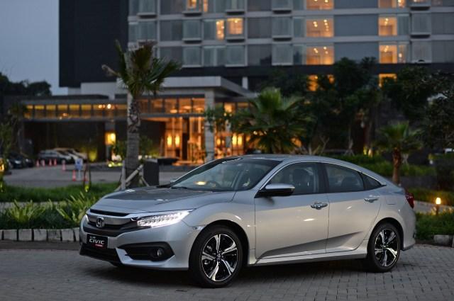 Honda Civic Hatchback Turbo Eksis di IRS 2018 (36816)