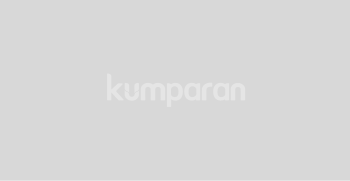 Soeharto saat mengundurkan diri.