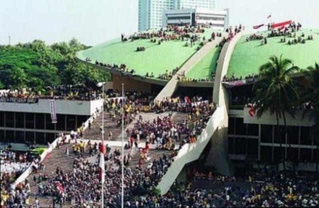 Selamat Tinggal, Soeharto (247138)