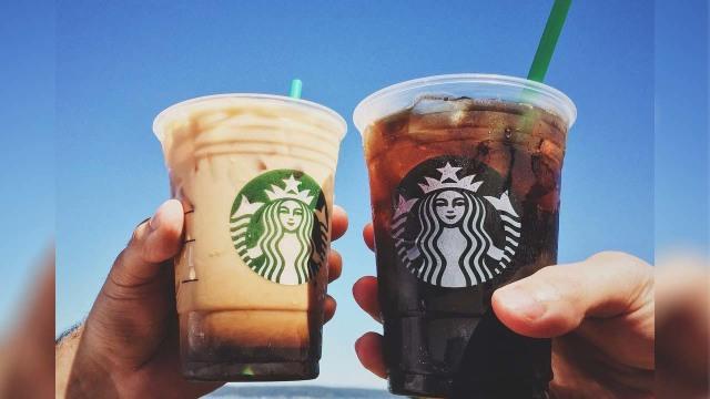 Bikin Pusing, Barista Starbucks Ini Terima Pesanan Minuman Pakai Puluhan Topping (411180)
