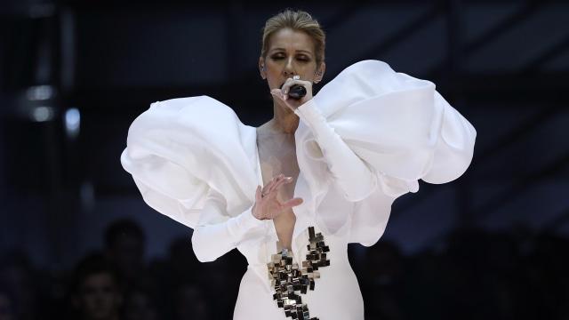 Celine Dion Unggah Foto Tanpa Makeup, Dipuji Awet Muda di Usia 52 Tahun (12300)