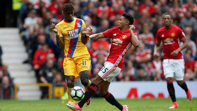 Kesedihan Wilfried Zaha Saat Sir Alex Ferguson Mundur dari Man United (271406)