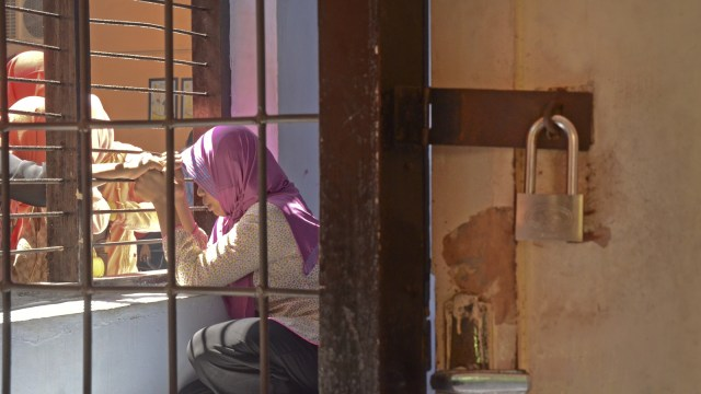 Baiq Nuril menunggu sidang